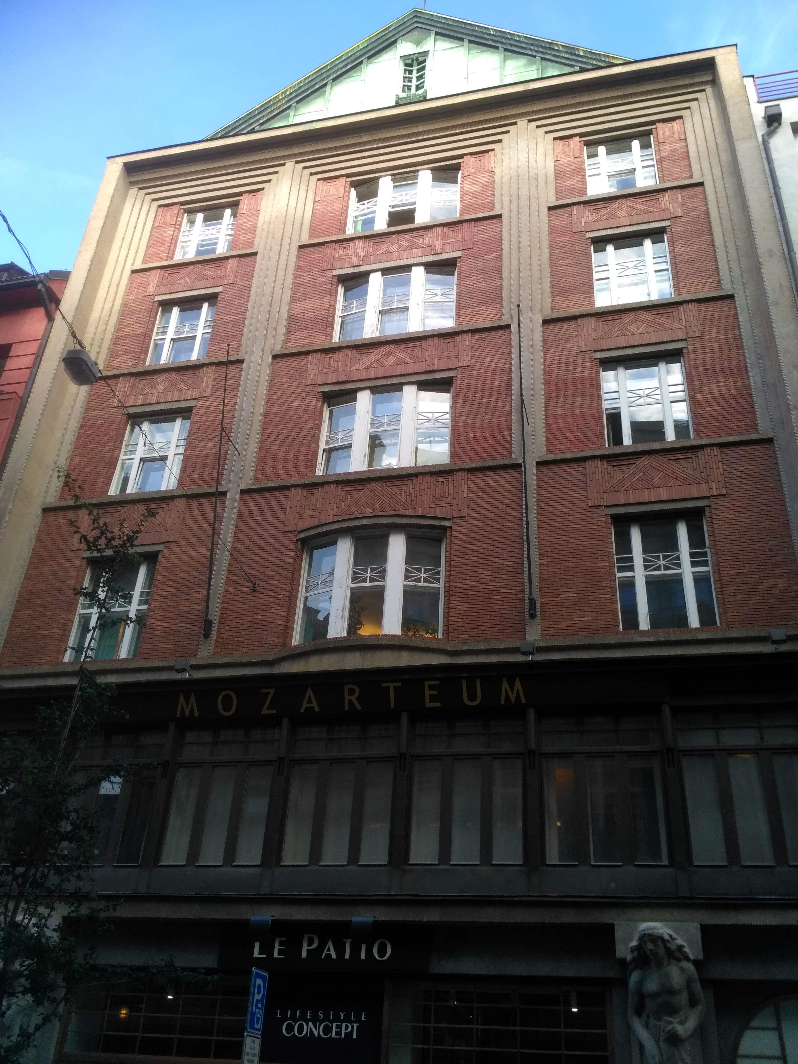 Mozarteum Jungmannova 30