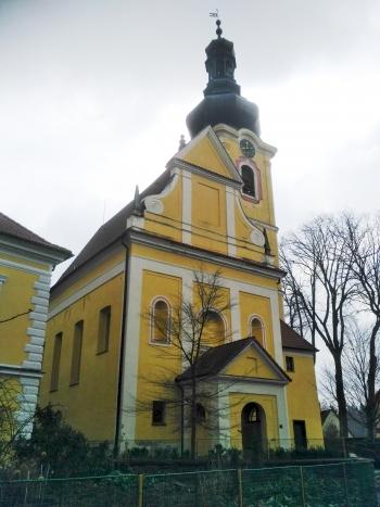 (1) kostel v Chýnově